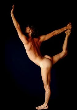 naked-yoga-man-pose