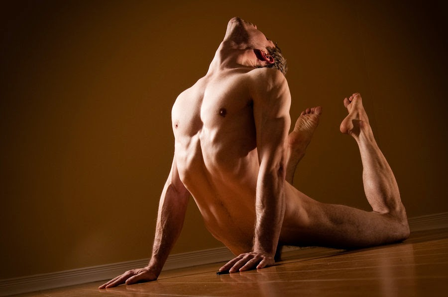 Naked Man Pose 27