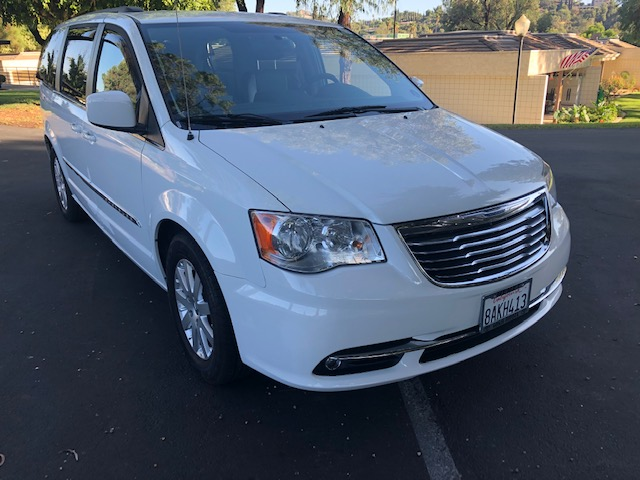 2016 Town & Country $18000